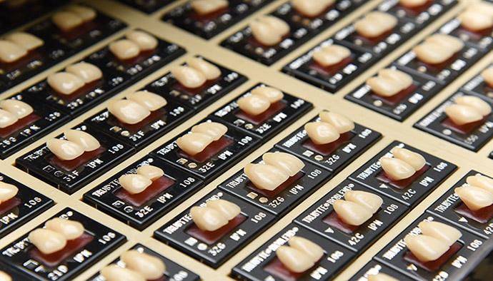 歯をデザインすることで、「あなたらしい美しさ」を表現します